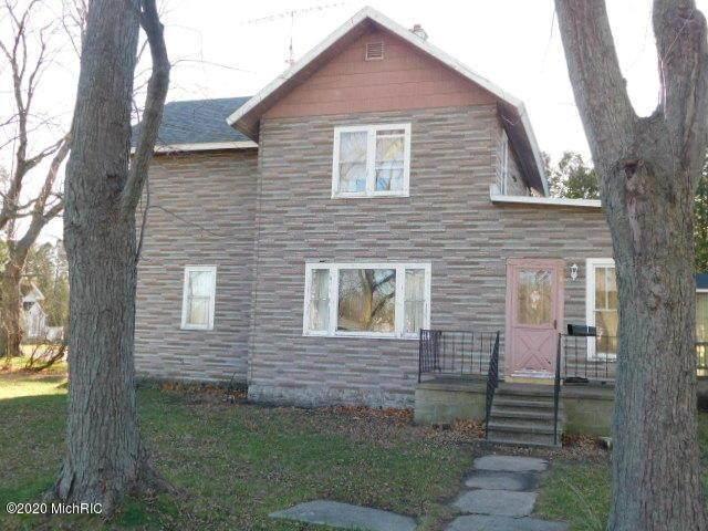 313 Goff Avenue, East Lake Vlg, MI 49626 (#67020049204) :: GK Real Estate Team