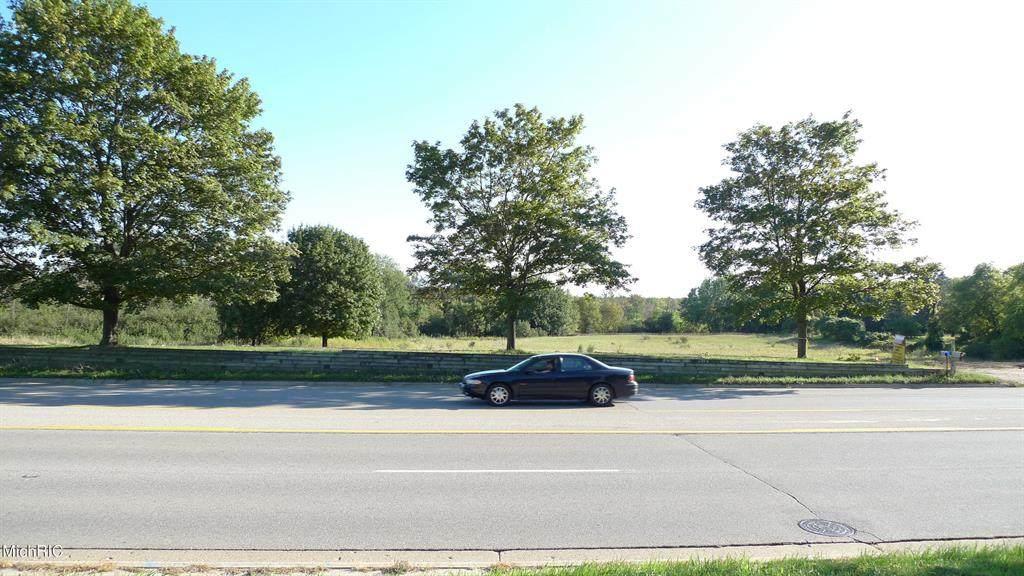 4250 17 Mile Road - Photo 1