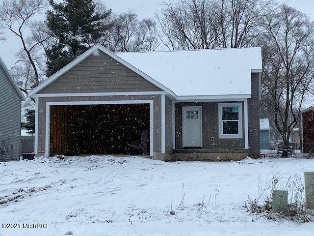 55 E Division Street NW, Tyrone Twp, MI 49318 (#65020040758) :: GK Real Estate Team