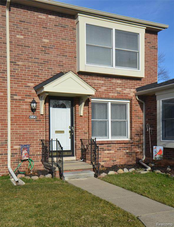 20041 Great Oaks Circle North Boulevard, Clinton Twp, MI 48036 (#2210001828) :: The Alex Nugent Team | Real Estate One