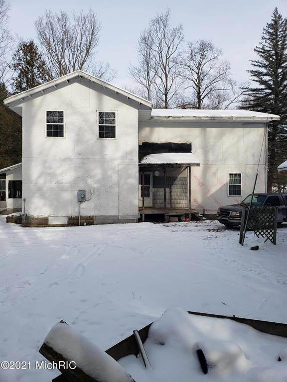 7494 Highbridge Road, Maple Grove Twp, MI 49645 (#67021003051) :: The Alex Nugent Team | Real Estate One