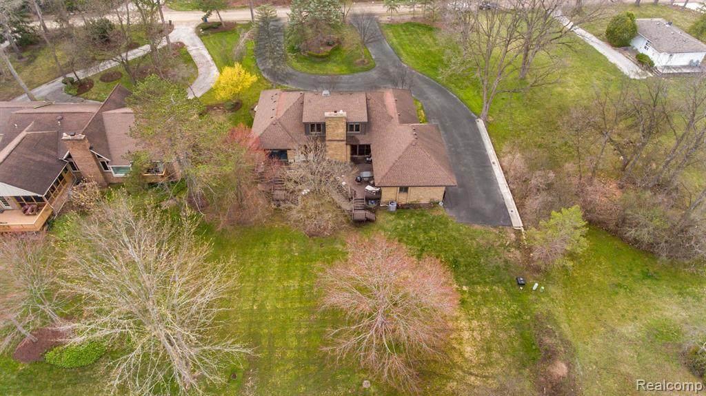 5585 Wing Lake Road - Photo 1