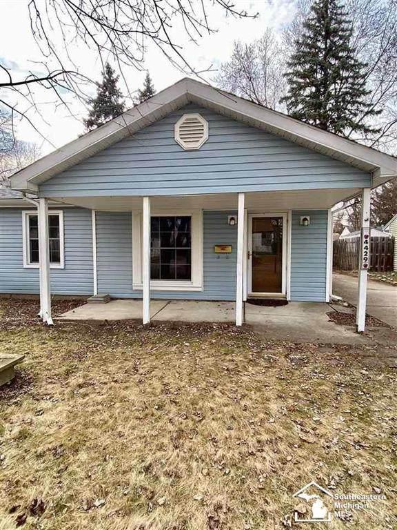 4429 Tonawanda, Royal Oak, MI 48073 (#57050036085) :: The Alex Nugent Team | Real Estate One