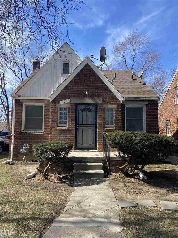 12047 Coyle, Detroit, MI 48227 (#58050037265) :: Duneske Real Estate Advisors
