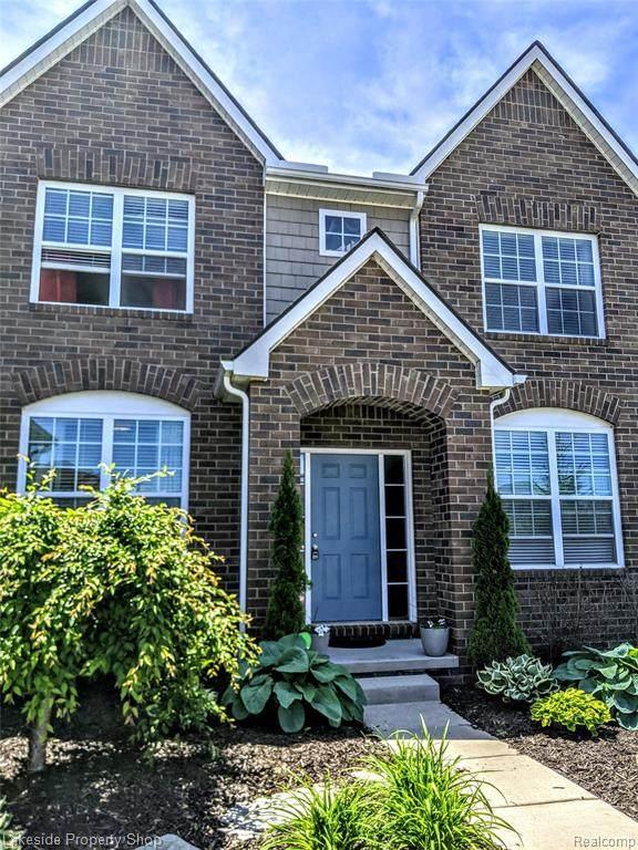 810 Birchwood Court, Oakland Twp, MI 48363 (#2210025889) :: The Alex Nugent Team | Real Estate One