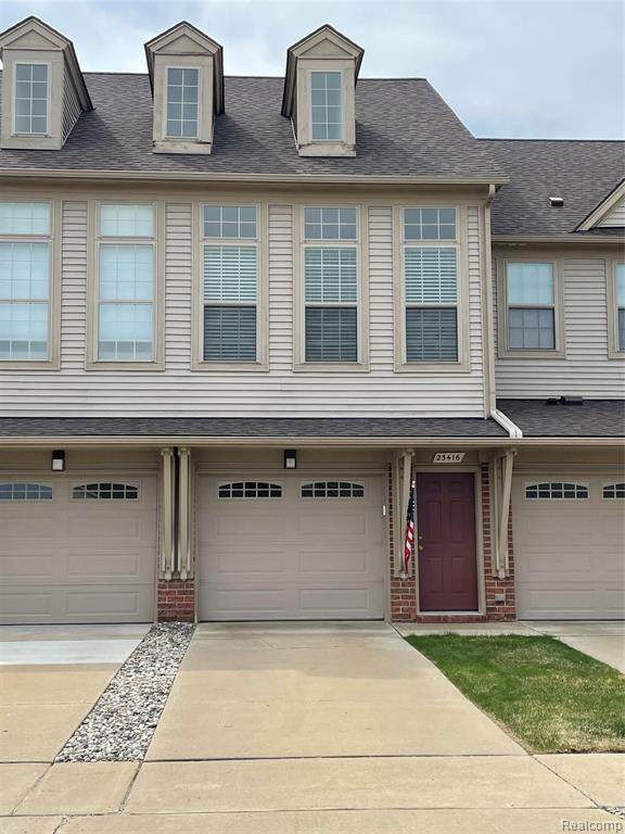 23416 Clarewood Street, Macomb Twp, MI 48042 (#2210028541) :: Real Estate For A CAUSE