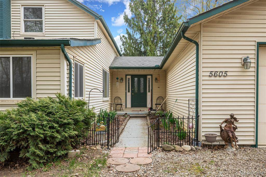 5605 Halsted Road - Photo 1