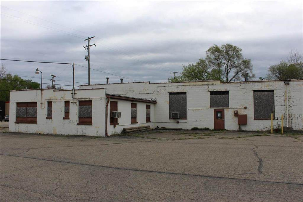 4077 Page Ave - Photo 1