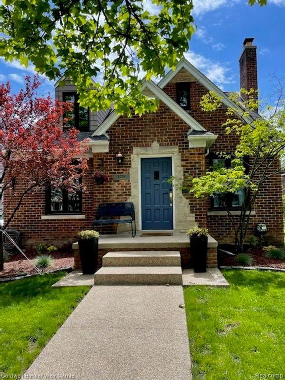 1729 W Houstonia Avenue, Royal Oak, MI 48073 (#2210033494) :: Real Estate For A CAUSE