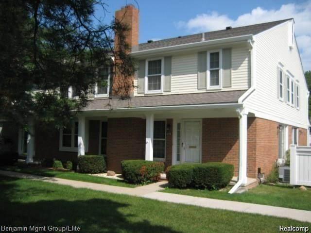 42170 Pellston, Novi, MI 48167 (#2210043323) :: Duneske Real Estate Advisors