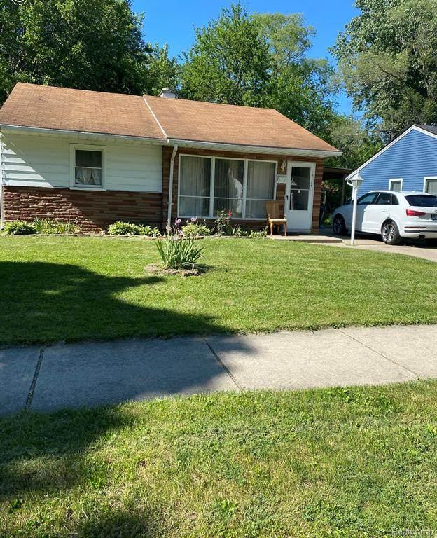 10120 Saratoga Street, Oak Park, MI 48237 (#2210043693) :: The BK Agency