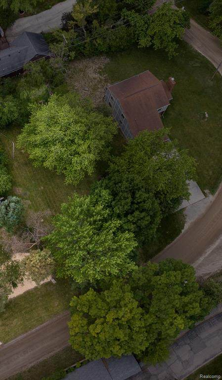 2352 Mulberry Road, Bloomfield Twp, MI 48302 (#2210043987) :: Robert E Smith Realty