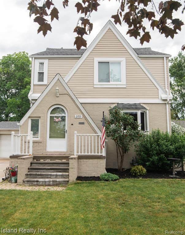 2071 23RD Street, Wyandotte, MI 48192 (#2210045764) :: GK Real Estate Team