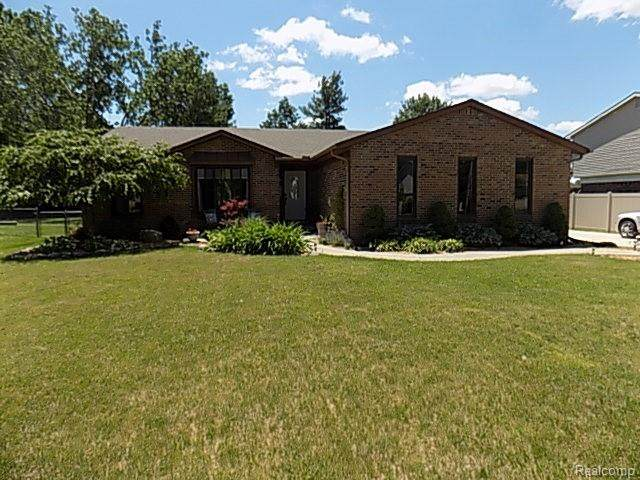 5432 Southlawn Drive, Sterling Heights, MI 48310 (#2210046291) :: Alan Brown Group