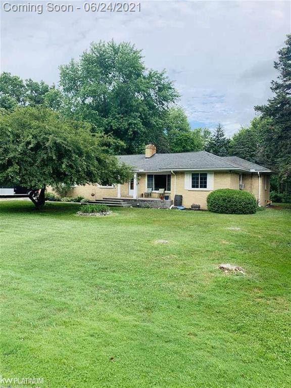 60856 Waschull, Washington Twp, MI 48094 (#58050046048) :: Duneske Real Estate Advisors