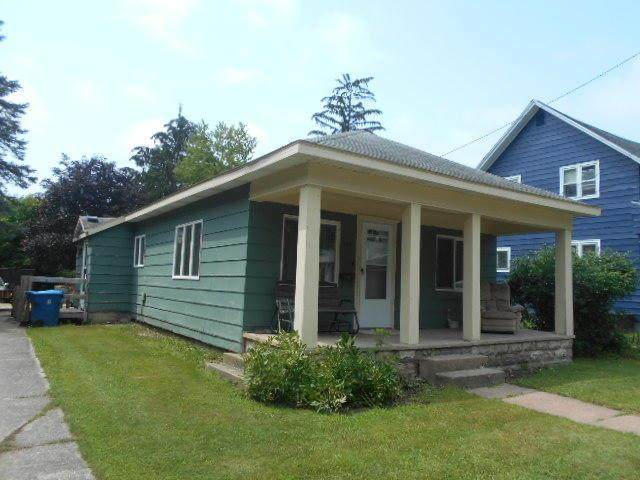 105 N Columbia Avenue, Scottville, MI 49454 (#67021027554) :: Real Estate For A CAUSE