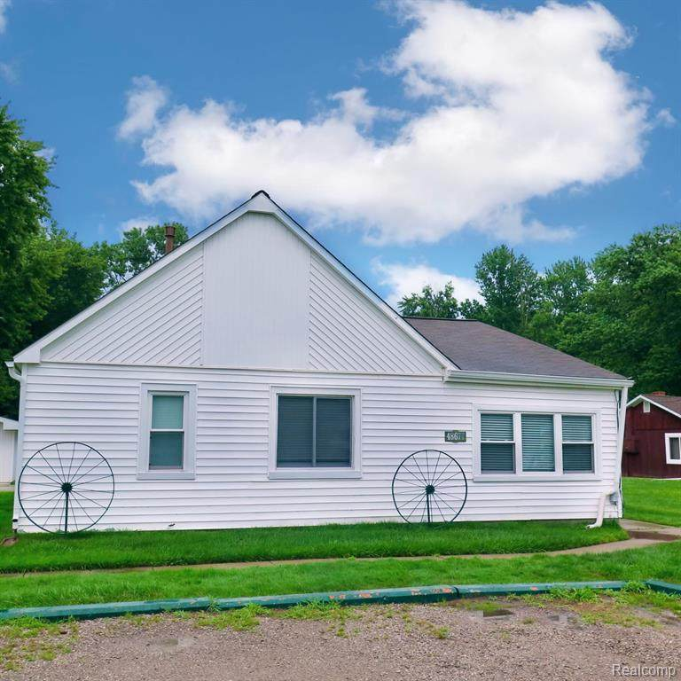 48677 Sugarbush Road - Photo 1