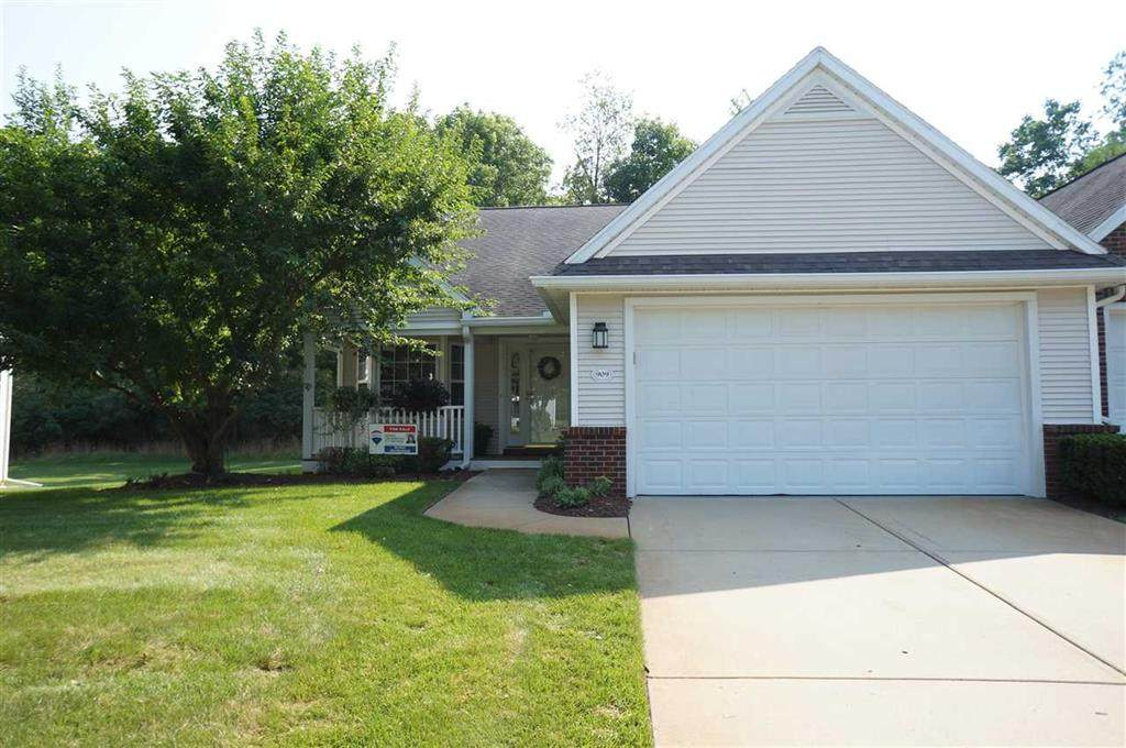 909 Oakbrook Dr - Photo 1