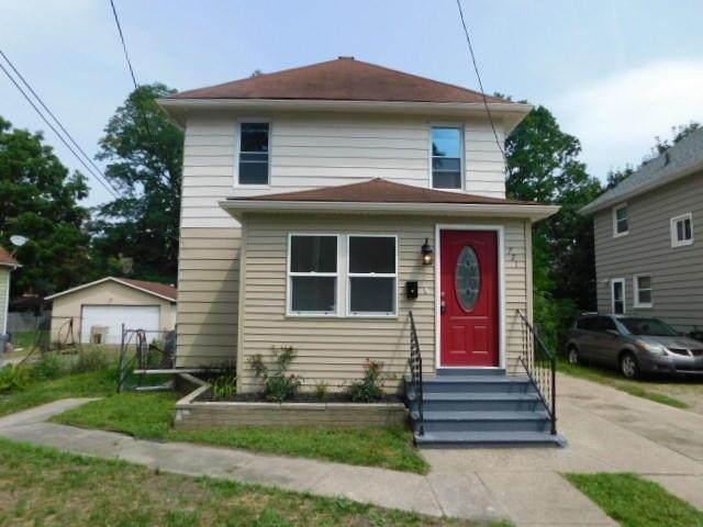 721 Pleasant Street - Photo 1