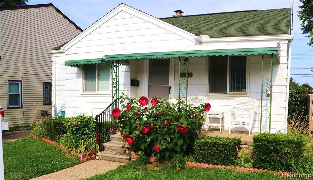 25144 Leach Street - Photo 1