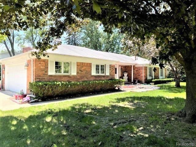 429 Bella Vista Drive, Grand Blanc Twp, MI 48439 (#2210075024) :: GK Real Estate Team