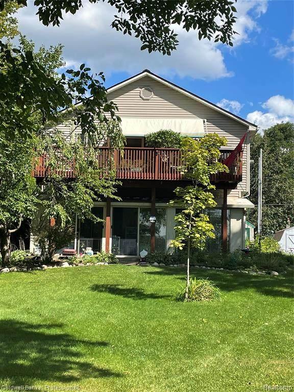16008 Moran Drive, Linden, MI 48451 (#2210078227) :: Real Estate For A CAUSE