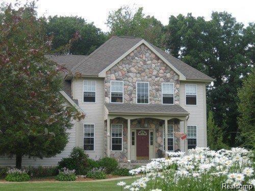 1213 Courtney Court, Hartland Twp, MI 48353 (#218020132) :: The Buckley Jolley Real Estate Team