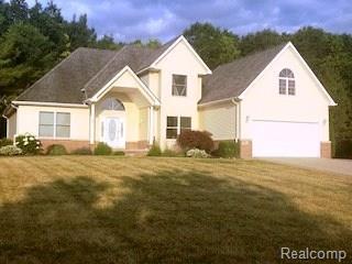 501 Aarons Way, Brandon Twp, MI 48462 (#218064378) :: Duneske Real Estate Advisors