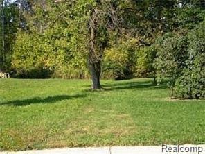 0 Amberwood, Auburn Hills, MI 48362 (#218088021) :: The Buckley Jolley Real Estate Team