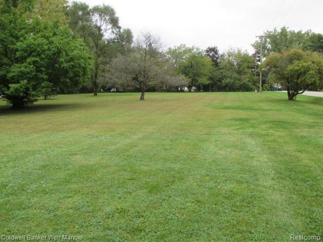 LOT 5 Lahser Road, Beverly Hills Vlg, MI 48025 (#218103489) :: The Buckley Jolley Real Estate Team
