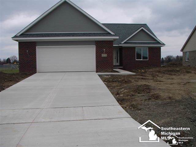4978 Skylark, Monroe Twp, MI 48161 (#57031394527) :: Alan Brown Group