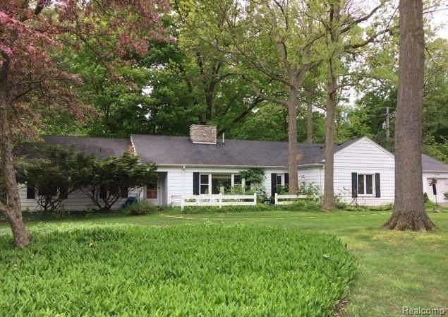 25194 Westmoreland Drive, Farmington Hills, MI 48336 (#2200008760) :: The Buckley Jolley Real Estate Team