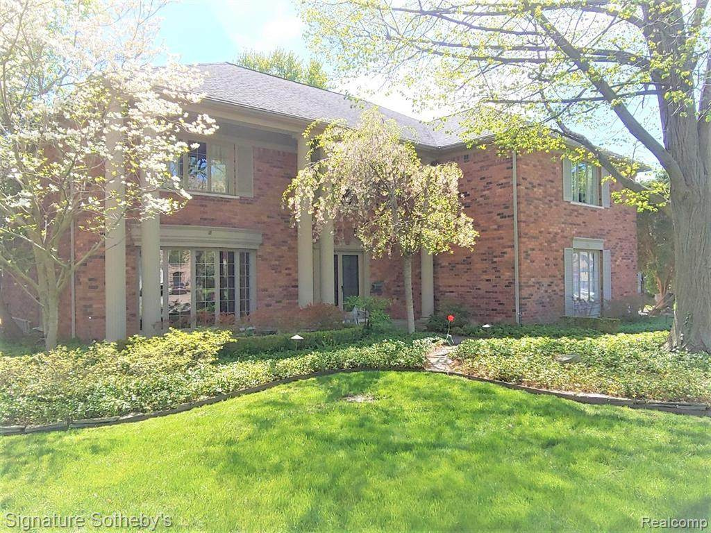 55 Belle Meade - Photo 1