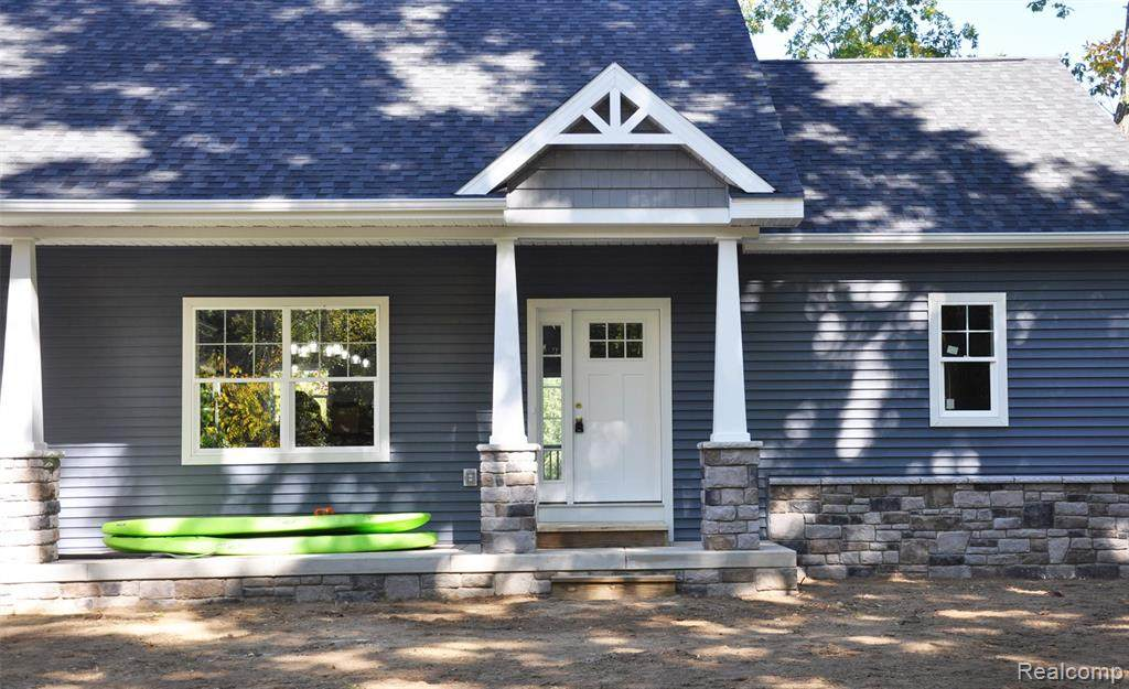 000 Colonial Drive - Photo 1