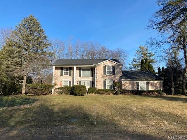4551 Brafferton Drive, Bloomfield Twp, MI 48302 (#2200095679) :: The Alex Nugent Team   Real Estate One