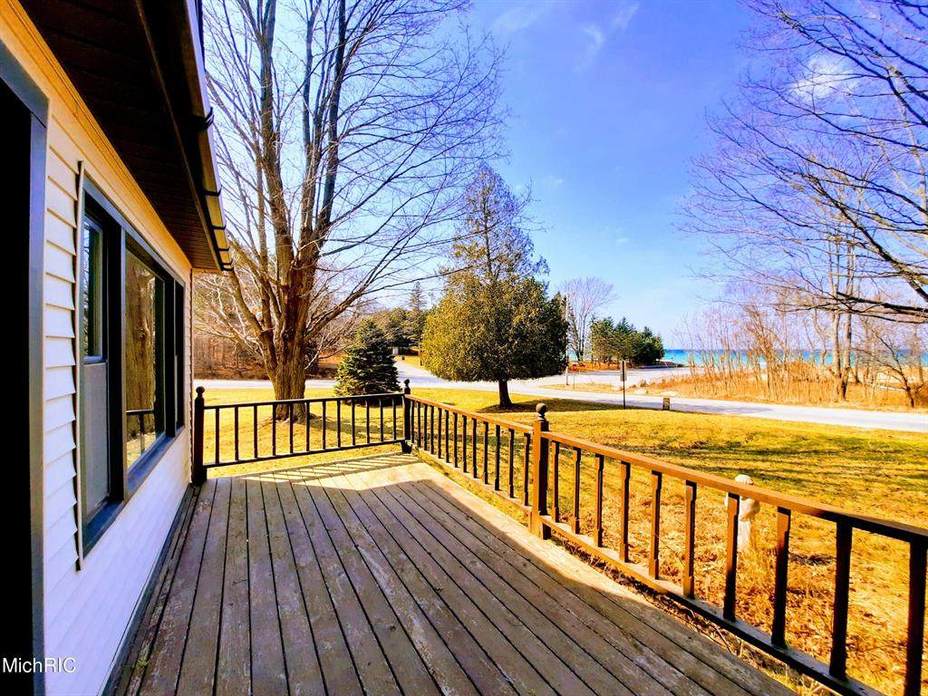 12665 Lakeview Road - Photo 1