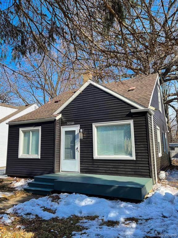 24340 Parklawn Street, Oak Park, MI 48237 (#2210010678) :: Real Estate For A CAUSE
