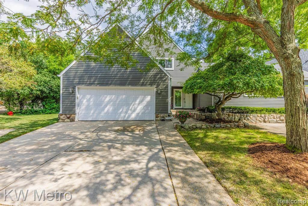 7435 Pinehurst Circle - Photo 1