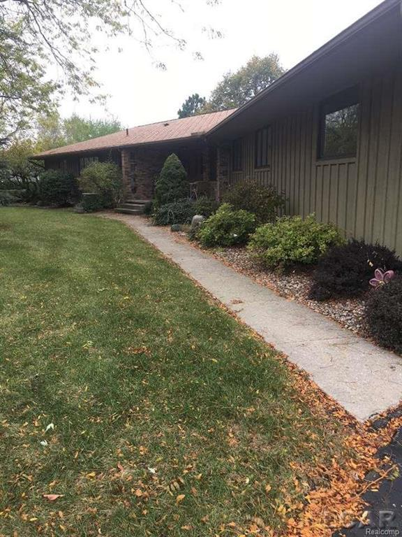 487 Seel Dr, Adrian, MI 49221 (#56031334285) :: RE/MAX Nexus