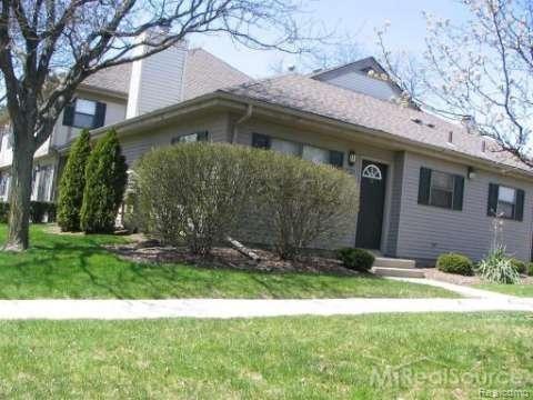 24932 Auburn Lane, Southfield, MI 48033 (#218114434) :: The Buckley Jolley Real Estate Team