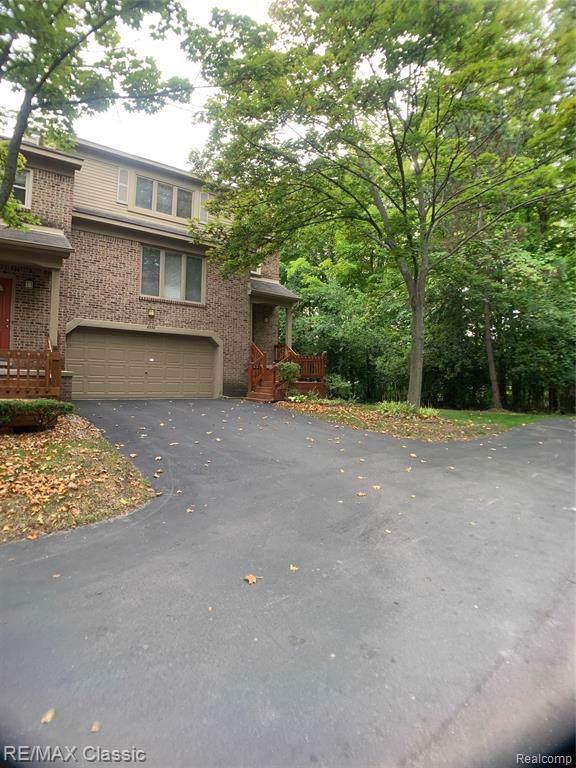 6332 Aspen Ridge Boulevard, West Bloomfield Twp, MI 48322 (#219095699) :: The Buckley Jolley Real Estate Team