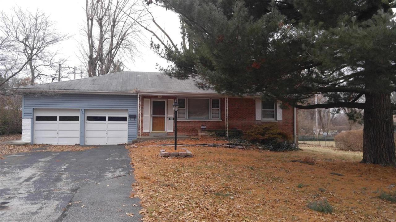 920 Wooster Drive - Photo 1