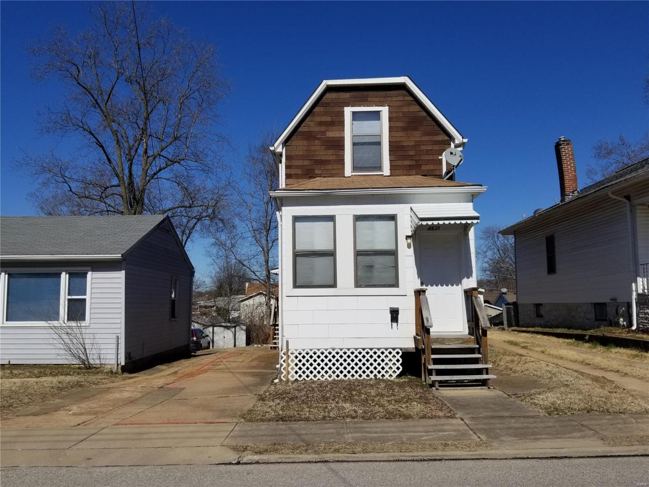 4621 Oldenburg Avenue - Photo 1