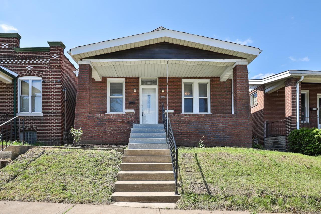 4446 Ellenwood Avenue - Photo 1