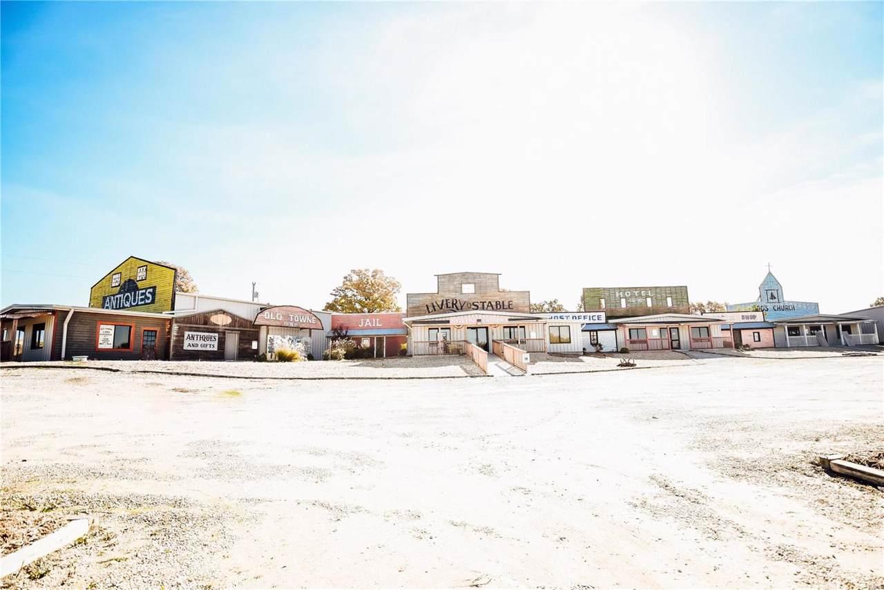 401 Schofer Street - Photo 1