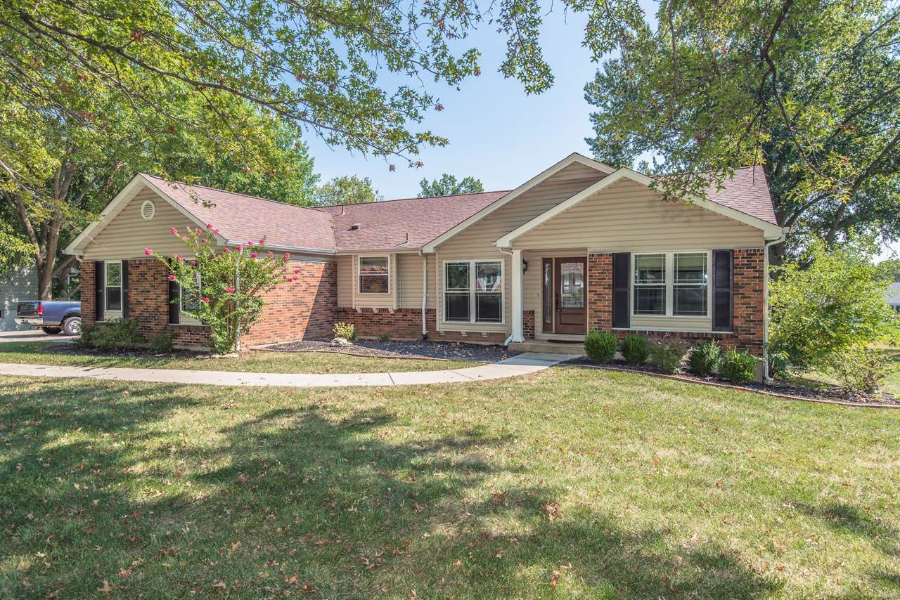 307 Willowpointe Drive - Photo 1
