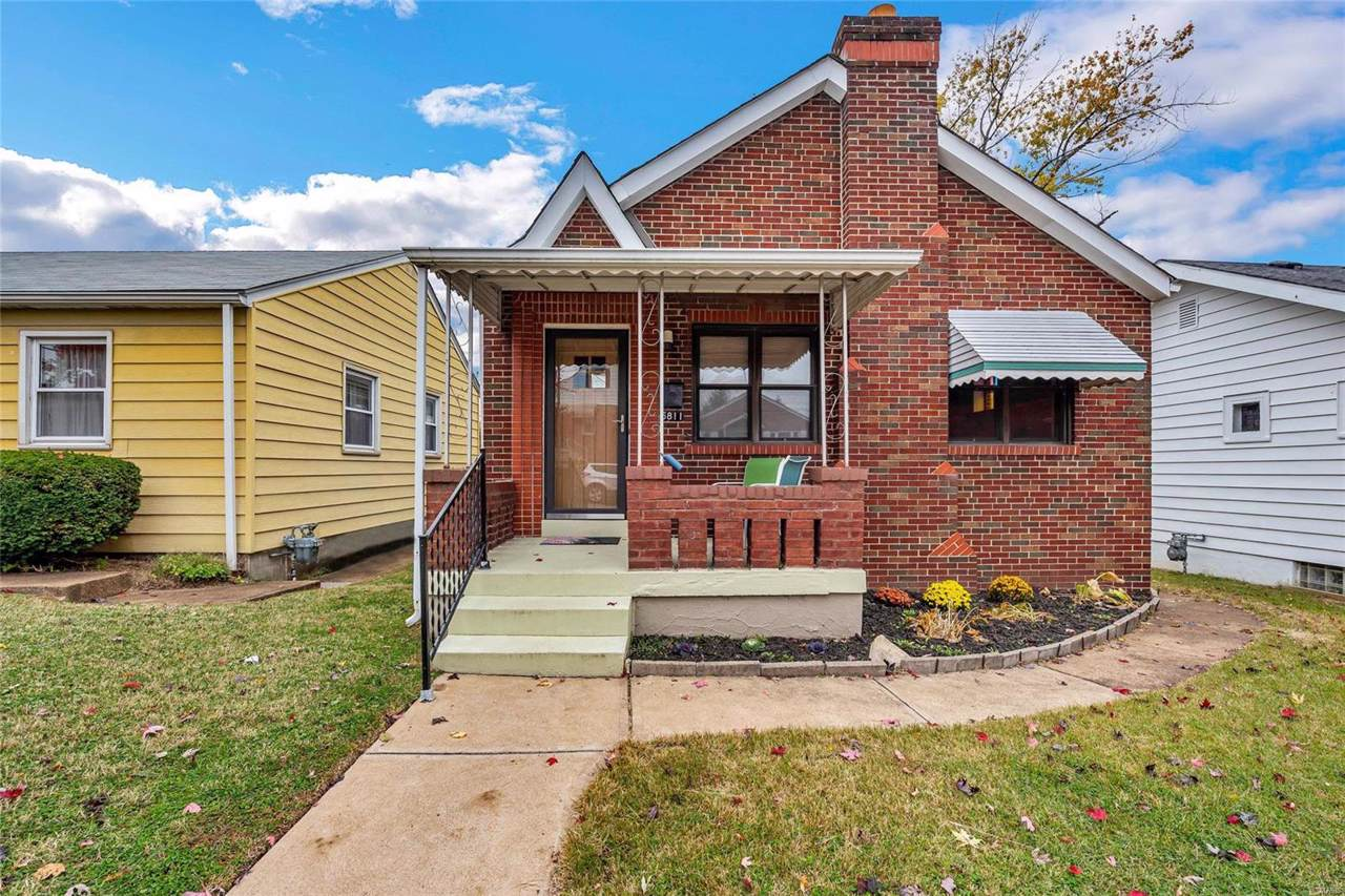 6811 Parkwood Place - Photo 1