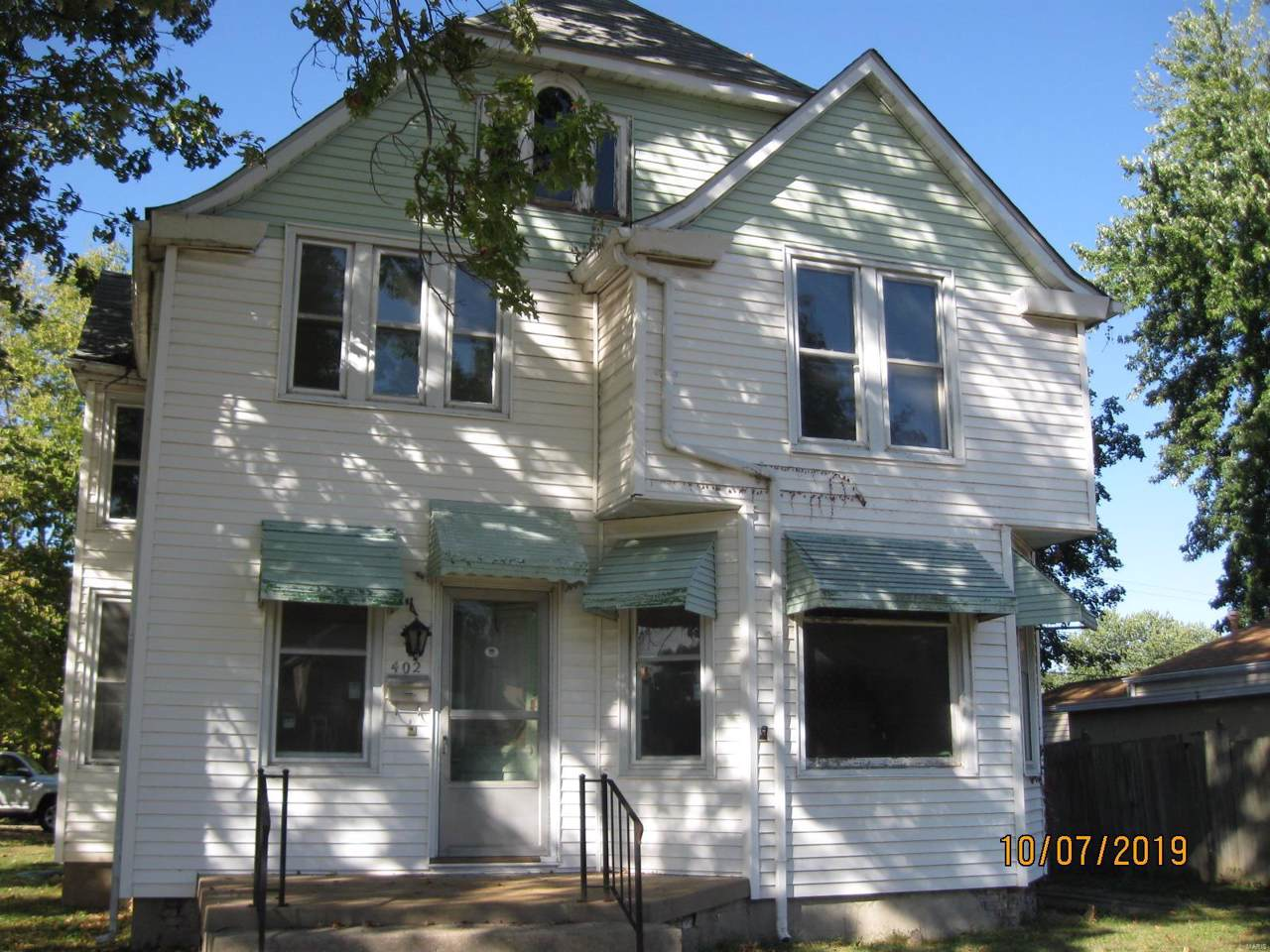 402 Washington Street - Photo 1