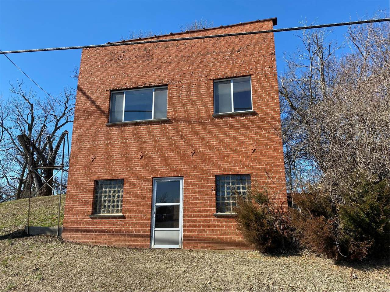 2255 Lemay Ferry - Photo 1