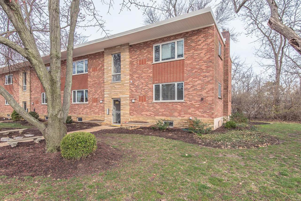 203 Monclay Court - Photo 1